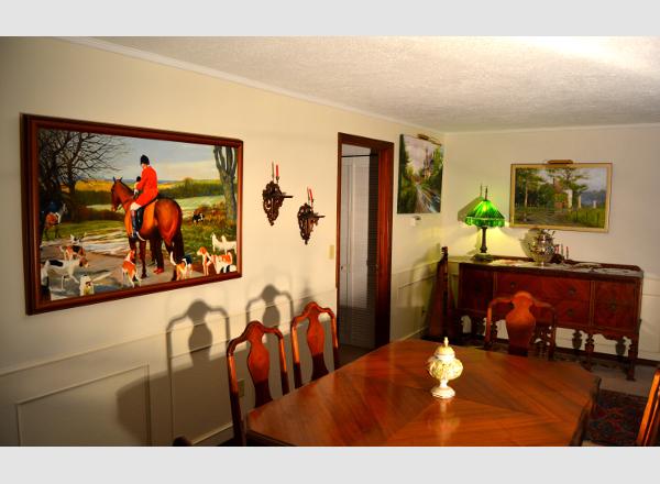 Robert W. Moore Fine Art collectors hang his paintings on their ...
